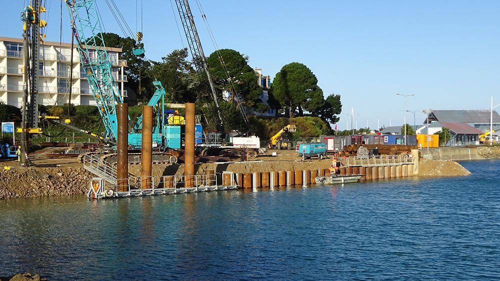 Le bassin du Mané en cours de construction